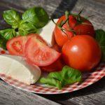 Serranoham met mozzarella en tomaat (op toast)